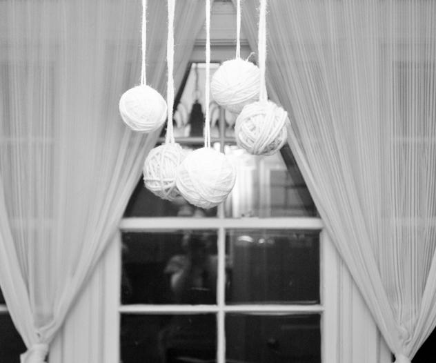 white yarn balls
