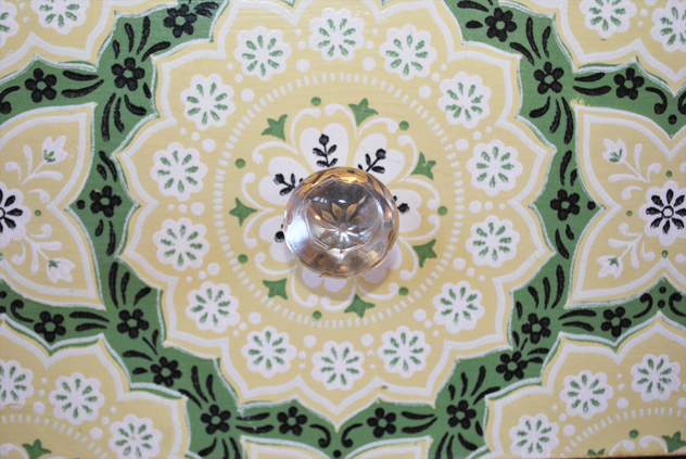 vintage wallpaper and glass knobs