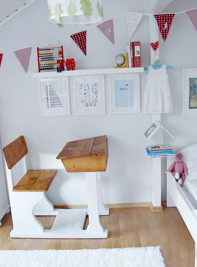 school room kids desk